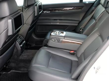 BMW 750 2010 года за 10 000 000 тг. в Алматы – фото 10