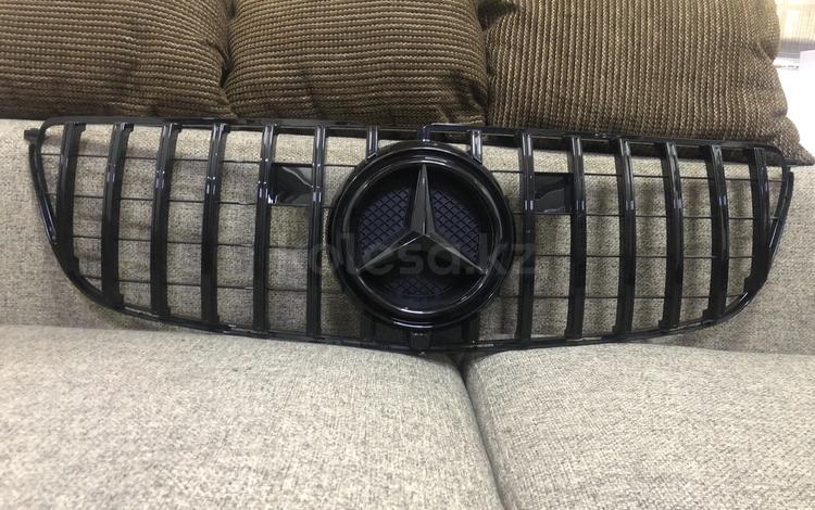 Решётка радиатора Mercedes GLS, X166 за 100 тг. в Алматы