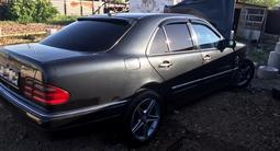 Mercedes-Benz E 200 1996 года за 1 000 000 тг. в Кокшетау – фото 4
