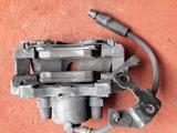 Суппорт тормозной передний левый на OPEL Zafira v1.8 бензин (2001… за 10 000 тг. в Караганда – фото 2