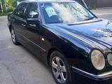 Mercedes-Benz E 320 1997 года за 2 450 000 тг. в Алматы – фото 4
