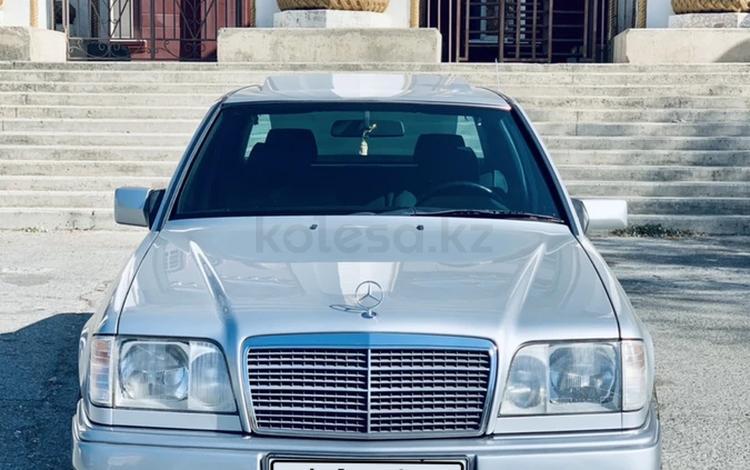 Mercedes-Benz E 220 1994 года за 3 500 000 тг. в Шымкент