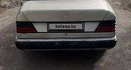 Mercedes-Benz E 230 1991 года за 800 000 тг. в Шу – фото 4
