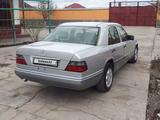 Mercedes-Benz E 200 1994 года за 2 400 000 тг. в Туркестан – фото 5