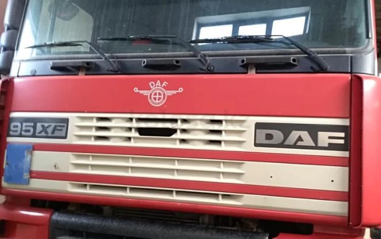 DAF  XF 95 2001 года за 10 500 000 тг. в Уральск