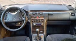 Mercedes-Benz E 200 2000 года за 4 200 000 тг. в Караганда – фото 5