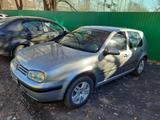 Volkswagen Golf 2001 года за 2 250 000 тг. в Уральск