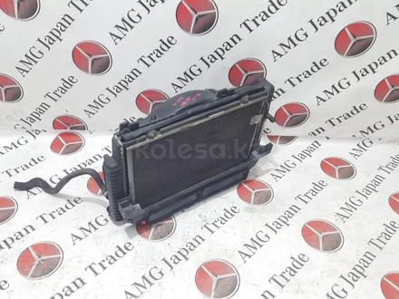 Радиаторы (кассета) + вентилятор Mercedes w208 за 60 783 тг. в Владивосток