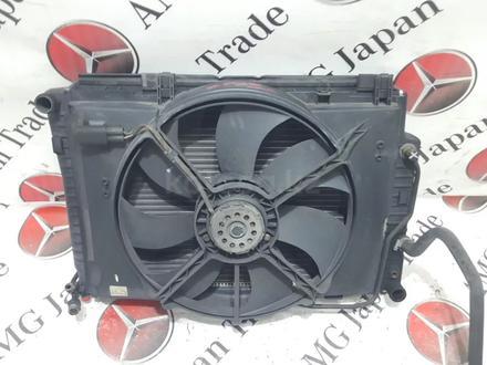 Радиаторы (кассета) + вентилятор Mercedes w208 за 60 783 тг. в Владивосток – фото 11