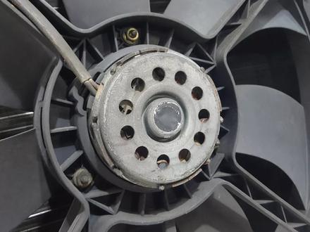 Радиаторы (кассета) + вентилятор Mercedes w208 за 60 783 тг. в Владивосток – фото 13