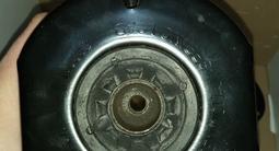 Опоры передних стоек mercedes ml164 за 50 000 тг. в Караганда – фото 2