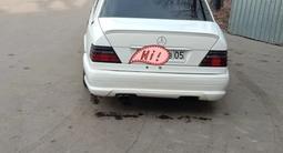 Mercedes-Benz E 220 1994 года за 2 100 000 тг. в Алматы – фото 2