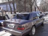 Mercedes-Benz E 220 1994 года за 1 800 000 тг. в Шымкент – фото 2