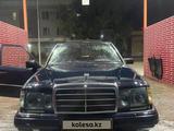 Mercedes-Benz E 260 1987 года за 600 000 тг. в Шу – фото 2