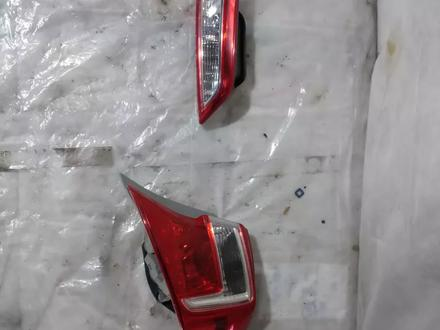 Задний правый, фонарь с крыла и левый с крышки багажника за 777 тг. в Караганда – фото 3