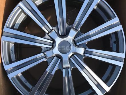 Комплект дисков Toyota LC200 от Rainbow Dance Allow Wheels в Астане за 260 000 тг. в Нур-Султан (Астана)