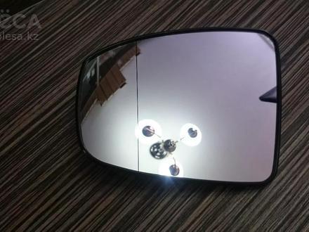 Стеклышко бокового зеркала на Infiniti QX70 за 16 000 тг. в Алматы