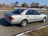 Mercedes-Benz E 200 1996 года за 3 800 000 тг. в Петропавловск – фото 4