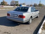 Mercedes-Benz E 200 1996 года за 3 800 000 тг. в Петропавловск – фото 5