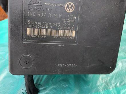 Блок АВS на фольксваген гольф — 5 с установкой! за 35 000 тг. в Алматы