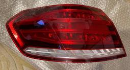 Задний фонарь (задняя фара) ОРИГИНАЛ мерседес 212 рестайлинг за 69 990 тг. в Алматы