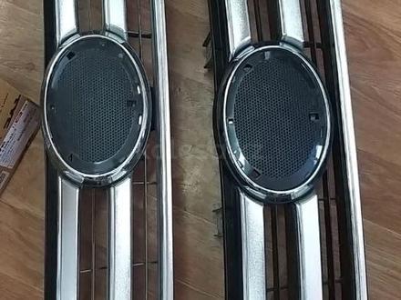 Решетка радиатора Hilux 2015 и выше за 70 000 тг. в Атырау