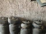 Пневмо амортизатор стойки пневмо подвеска передние требует реставрации за 25 000 тг. в Алматы