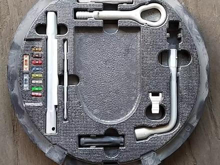 Набор ключей на Мерседес 220 за 15 000 тг. в Алматы