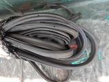 Уплотнительные резинки на двери BMW x3 за 1 000 тг. в Караганда