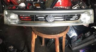 Решётка радиатора Toyota previa за 15 000 тг. в Алматы