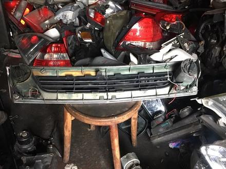 Решётка радиатора Toyota previa за 15 000 тг. в Алматы – фото 4