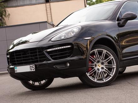 Porsche Cayenne 2012 года за 14 880 000 тг. в Алматы – фото 10