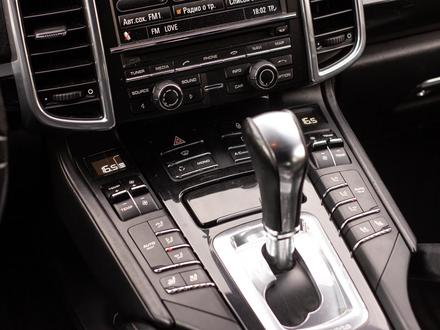 Porsche Cayenne 2012 года за 14 880 000 тг. в Алматы – фото 20