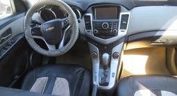 Chevrolet Cruze 2011 года за 3 056 400 тг. в Актобе – фото 4