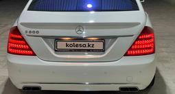 Mercedes-Benz S 500 2006 года за 7 200 000 тг. в Жанаозен – фото 2