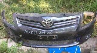 Бампер передний с решеткой оригинал за 60 000 тг. в Алматы
