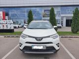 Toyota RAV 4 2018 года за 13 200 000 тг. в Алматы – фото 2