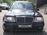Mercedes-Benz E 320 1991 года за 3 000 000 тг. в Семей – фото 2