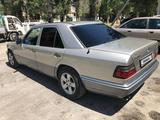 Mercedes-Benz E 280 1993 года за 2 600 000 тг. в Шымкент – фото 3