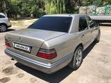 Mercedes-Benz E 280 1993 года за 2 600 000 тг. в Шымкент – фото 4