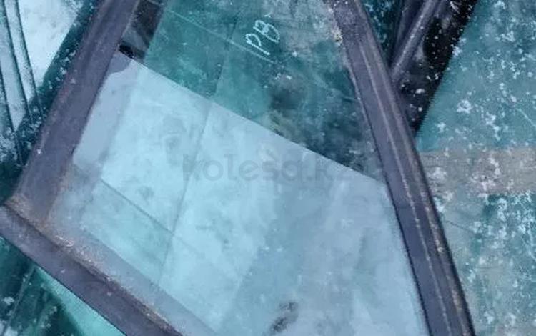 Форточка левая правая Пассат б3 Passat b3 седан за 3 000 тг. в Алматы