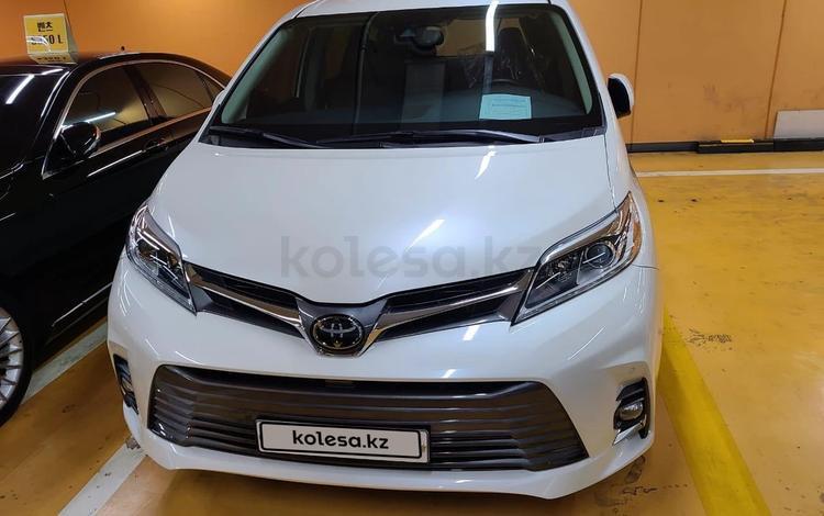 Toyota Sienna 2018 года за 23 000 000 тг. в Алматы