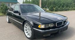 BMW 740 2000 года за 2 800 000 тг. в Алматы