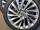 Комплект дисков с резиной Toyota за 400 000 тг. в Уральск