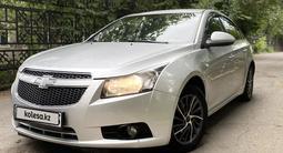 Chevrolet Cruze 2013 года за 3 150 000 тг. в Алматы – фото 2