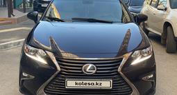 Lexus ES 200 2016 года за 11 220 000 тг. в Павлодар – фото 4