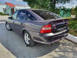 Opel Vectra 1997 года за 1 590 000 тг. в Костанай – фото 2