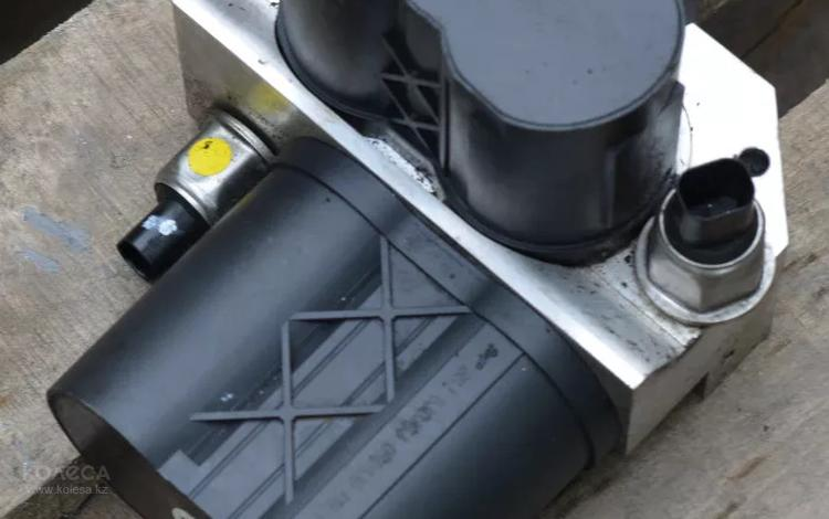 Блок клапанов гидроподвески ABC на мерседес s600 w220 за 3 000 тг. в Алматы