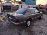 Mercedes-Benz E 200 1994 года за 1 300 000 тг. в Усть-Каменогорск – фото 3