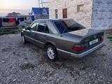 Mercedes-Benz E 200 1994 года за 1 300 000 тг. в Усть-Каменогорск – фото 4